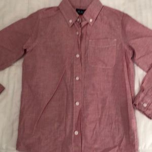 Red long sleeves. Great condition. Boy's M-7-8